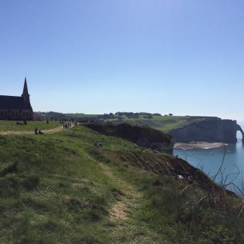 Notre Dame de La Garde - Falaise d'Aval au loin