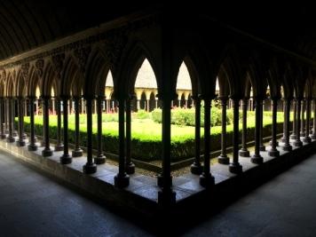 Magnifique Cloître de l'Abbaye du Mont-Saint-Michel